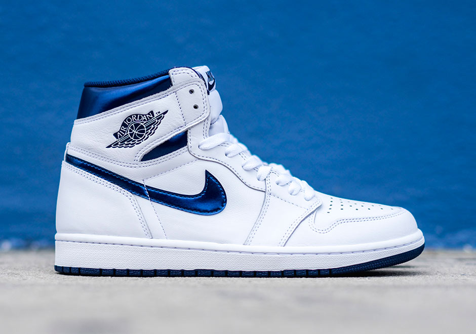 Chaussure Air Jordan 1 Retro High OG 'White Metallic Navy' (1)