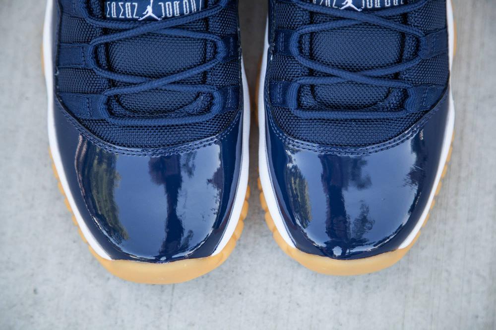acheter basket Air Jordan 11 Retro Low 'Midnight Navy Gum' (5)