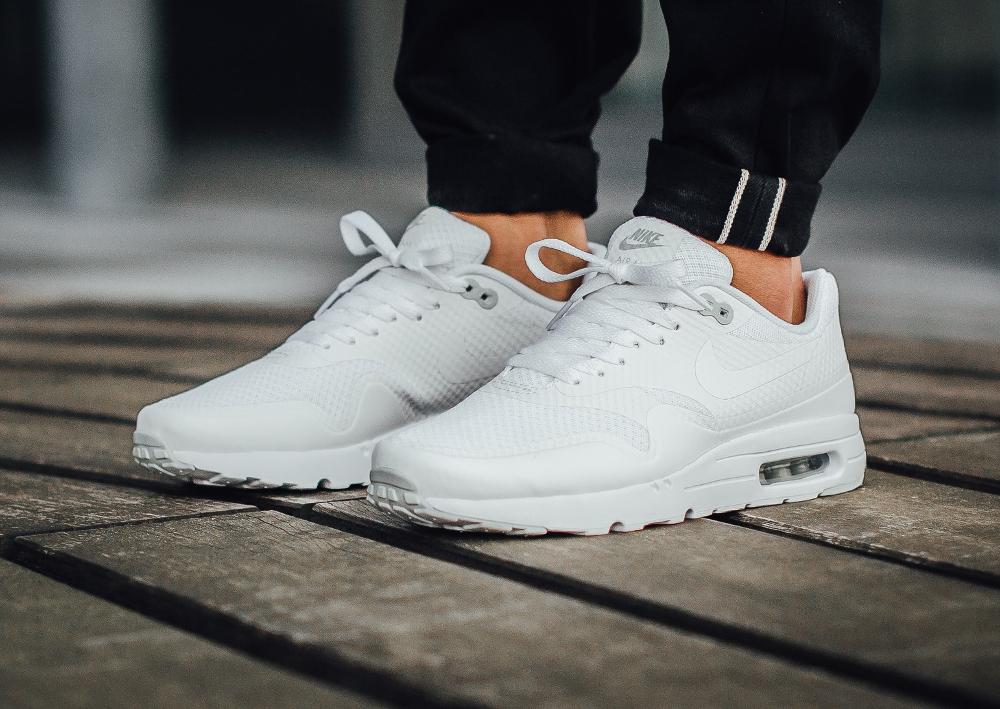 air max 1 essential all white