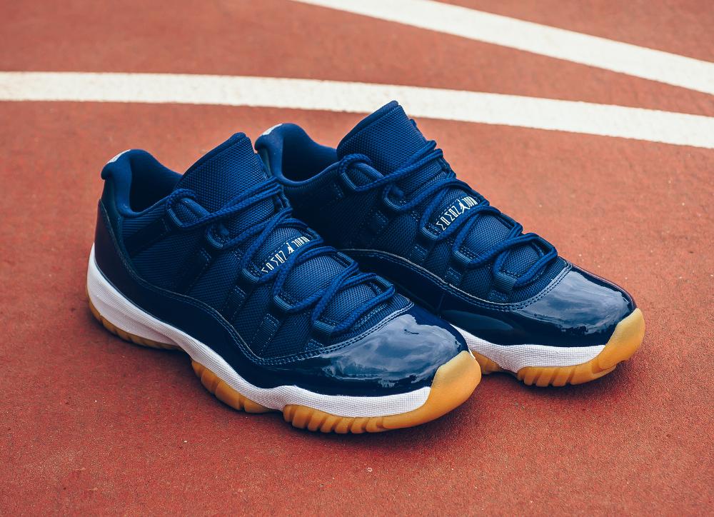 acheter chaussure Air Jordan 11 Retro Low 'Midnight Navy' (7)