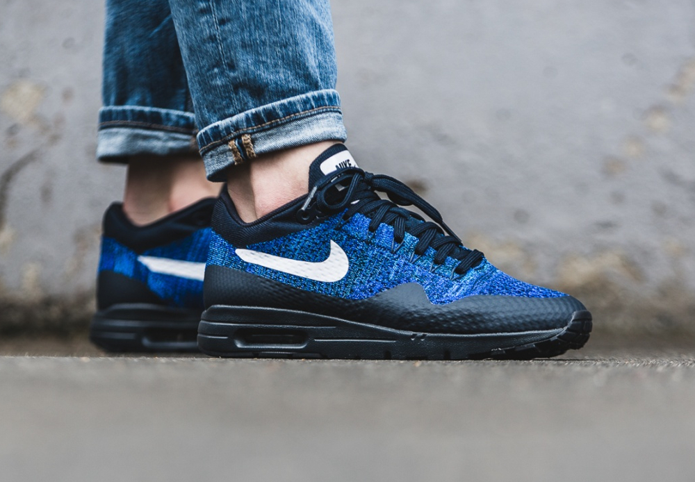 Nike Wmns Air Max 1 Ultra Flyknit (Dark Obsidian White Racer Blue) (1)