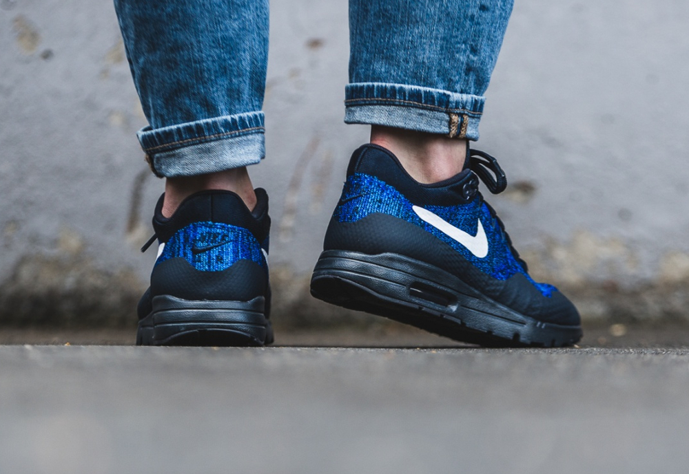 Nike Wmns Air Max 1 Ultra Flyknit (Dark Obsidian White Racer Blue) (2)