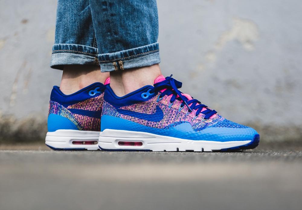 Nike Wmns Air Max 1 Ultra Flyknit (Photo Blue Deep Royal Blue Pink Blast) (femme) (1)