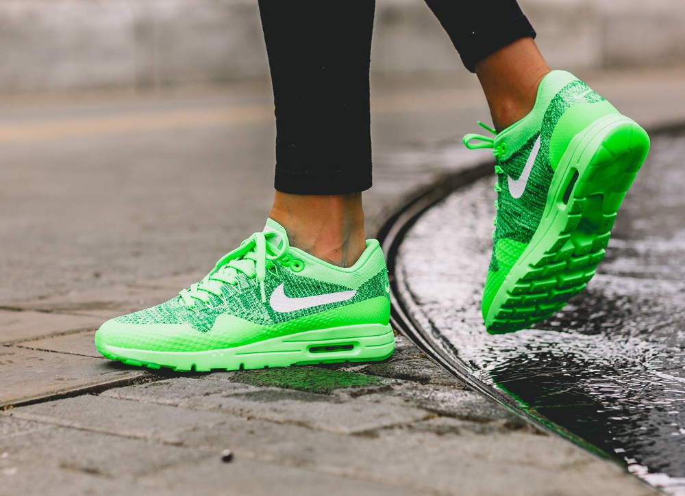 Nike Wmns Air Max 1 Ultra Flyknit (Electric Green) femme
