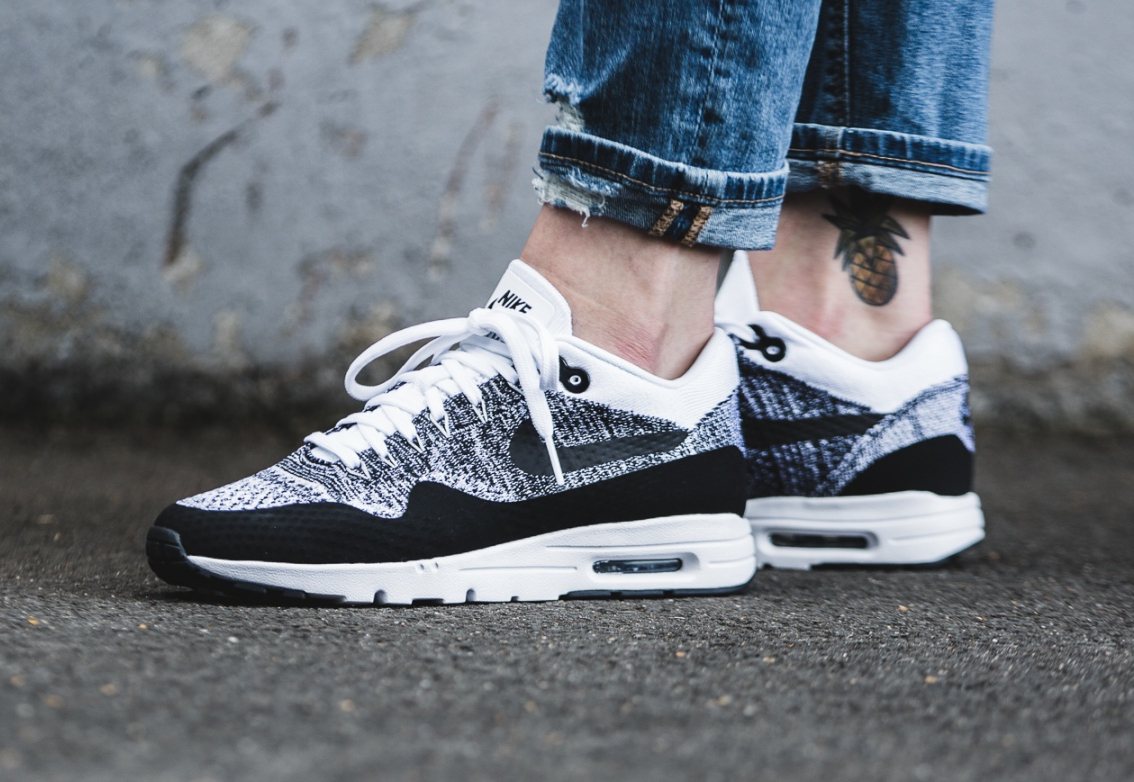 Nike Wmns Air Max 1 Ultra Flyknit White Black (1)