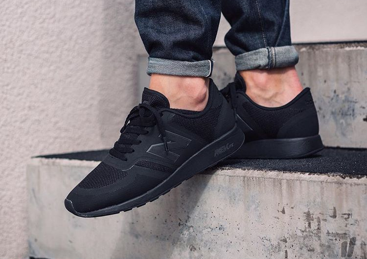 new balance 420 triple black