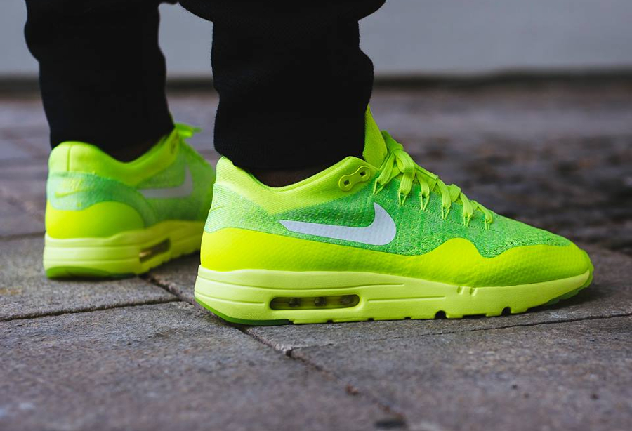 Nike Air Max 1 Ultra Flyknit Fluo (Volt White Electric Green) (2)