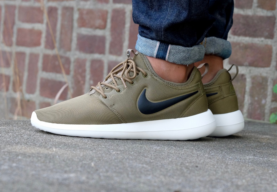 Nike Roshe Two SE Women Khaki White Classic Running 881188
