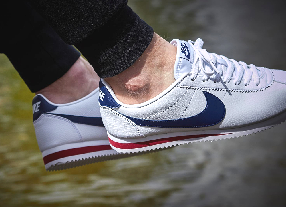 huge discount f73c5 791c2 ... chaussure Nike Cortez Classic Leather White Midnight Navy Gym Red .
