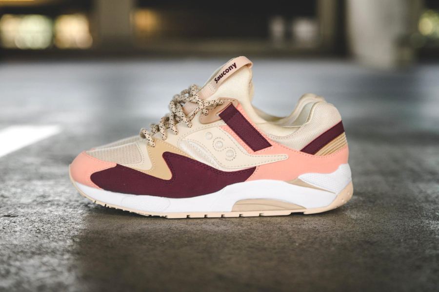 chaussure-saucony-grid-9000-cream-red-pink-1
