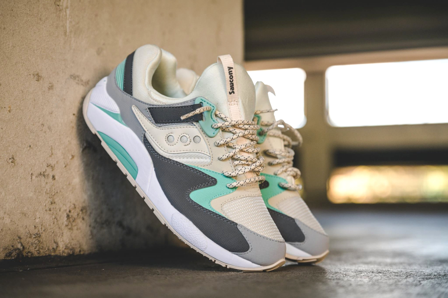 chaussure-saucony-grid-9000-light-tan-charcoal-mint