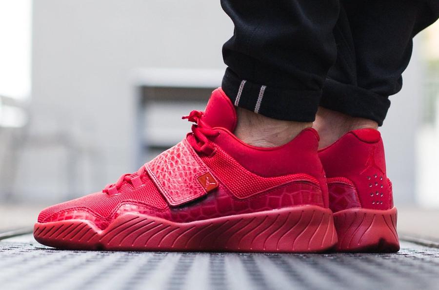 soldes-2017-chaussure-jordan-j23-rouge-pas-cher