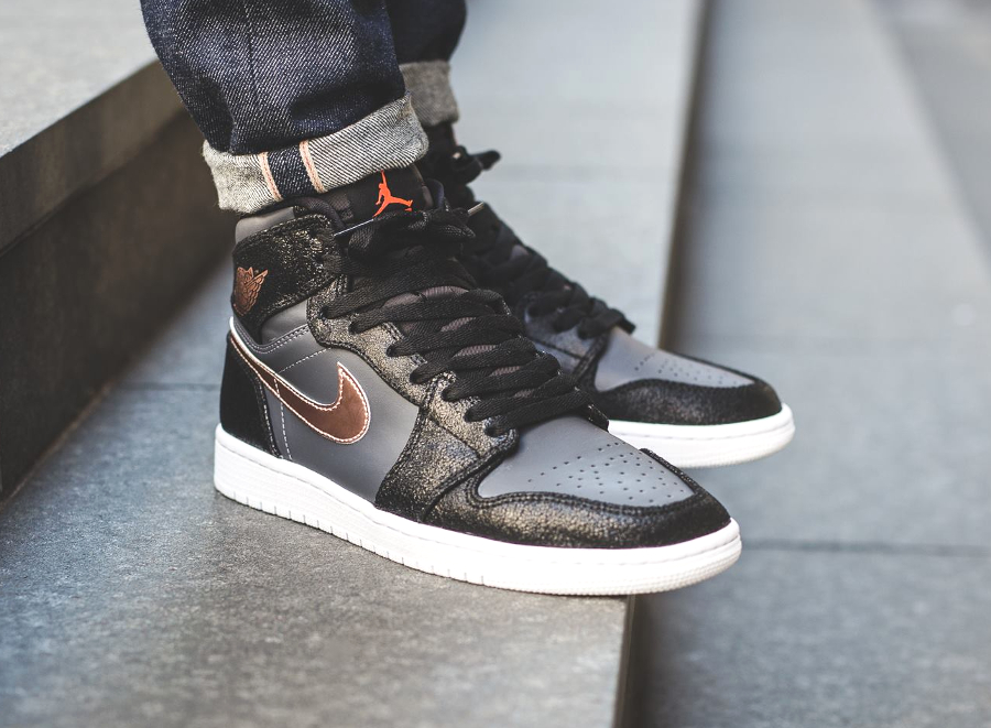 Nike Air Jordan 1 High 'Bronze Medal'