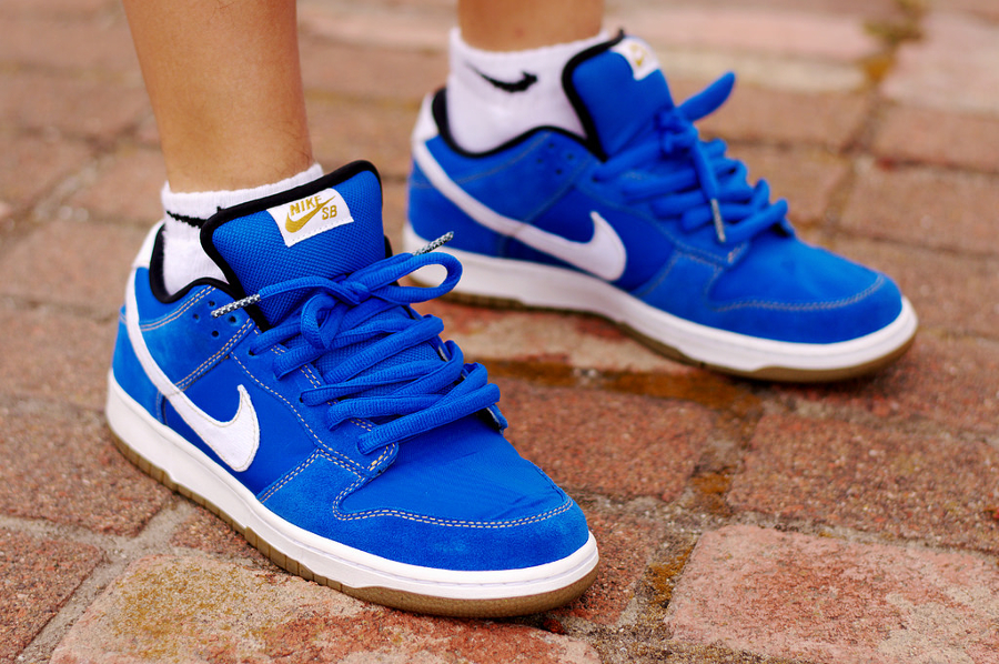 2010-street-fighter-x-nike-dunk-low-pro-sb-chun-li-tony-diamonds