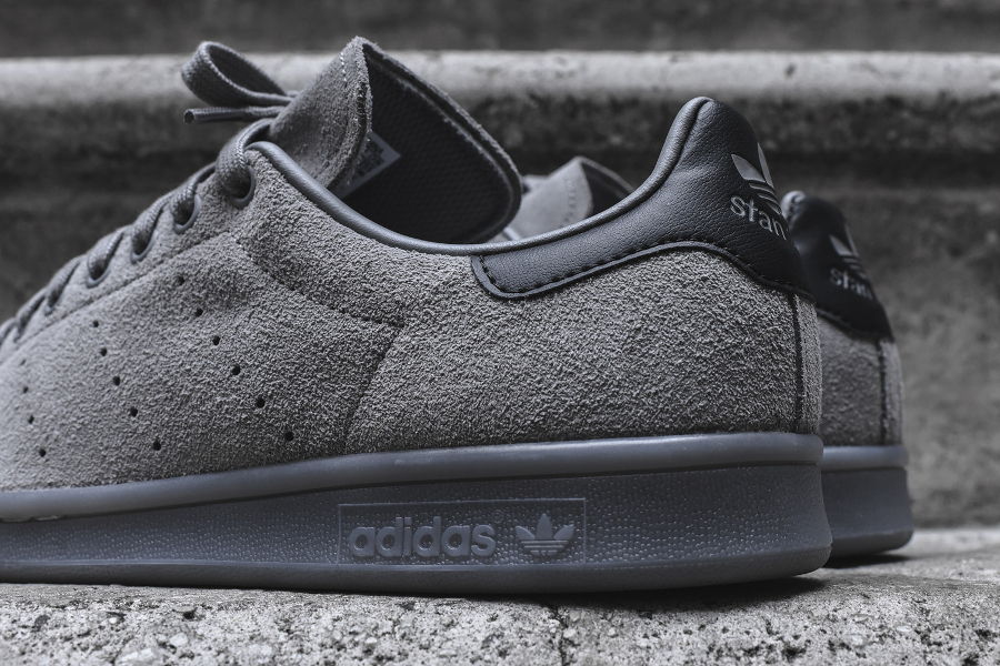 adidas-originals-stan-smith-daim-gris-homme-et-femme-4