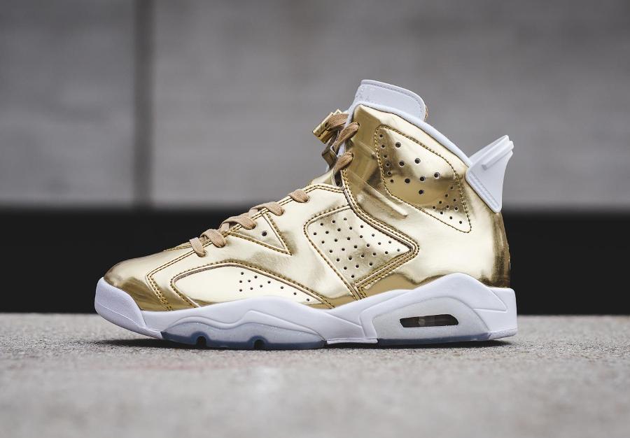chaussure-air-jordan-6-metallic-gold-cuir-dore-1