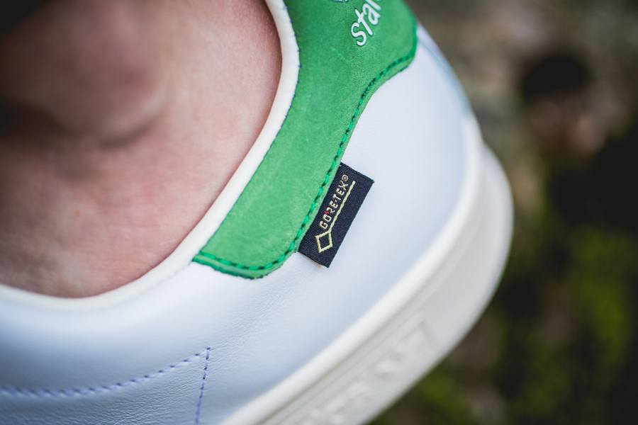 chaussure-adidas-stan-smith-impermeable-blanche-et-verte-2
