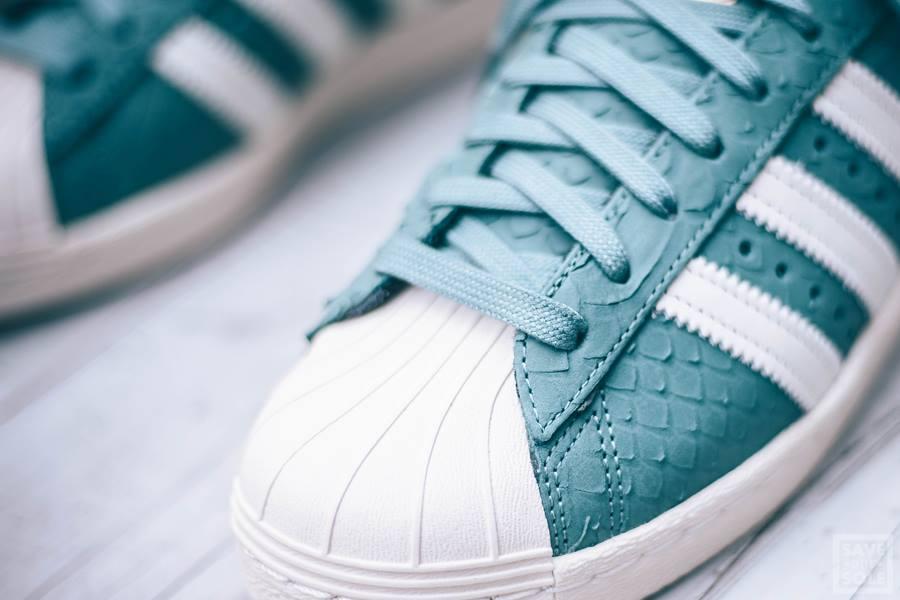 superstar femme ecaille Chaussure Adidas Superstar femme écailles de serpent turquoise 2