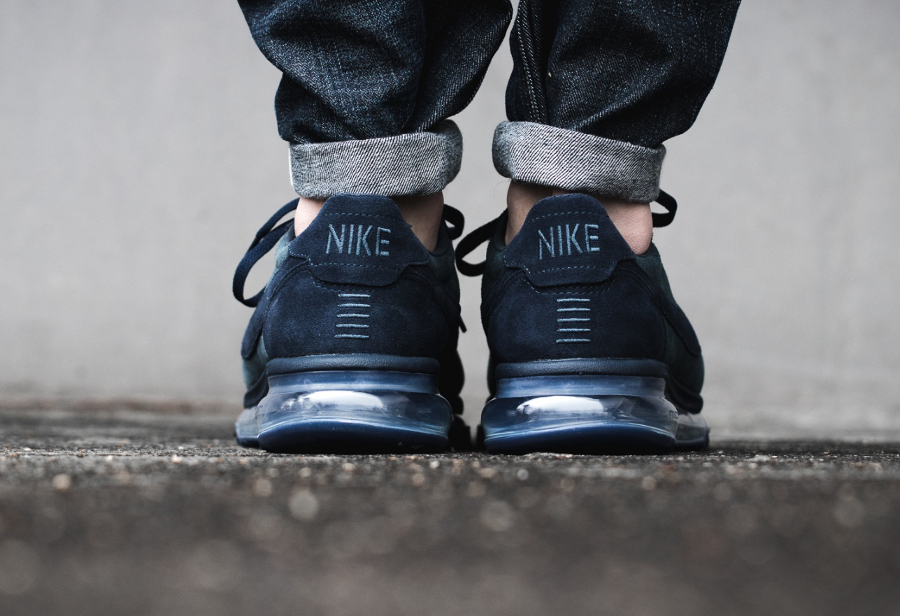 chaussure-nike-air-max-ld-zero-h-suede-dark-grey-gris-fonce-2