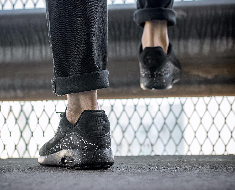 chaussure-nike-air-max-modern-special-edition-noire-semelle-mouchetee-4