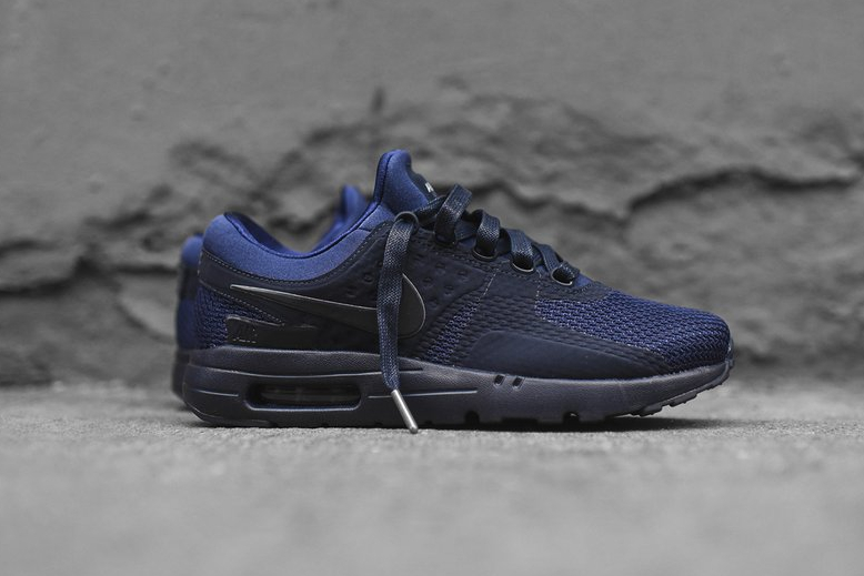 chaussure-nike-air-max-zero-qs-tonal-binary-blue-1