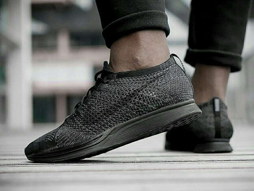 Nike Flyknit Racer noir 'Triple Black Midnight'