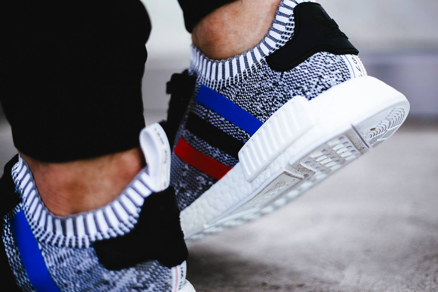 chaussure-adidas-nmd-r1-primeknit-tri-color-blanche-5