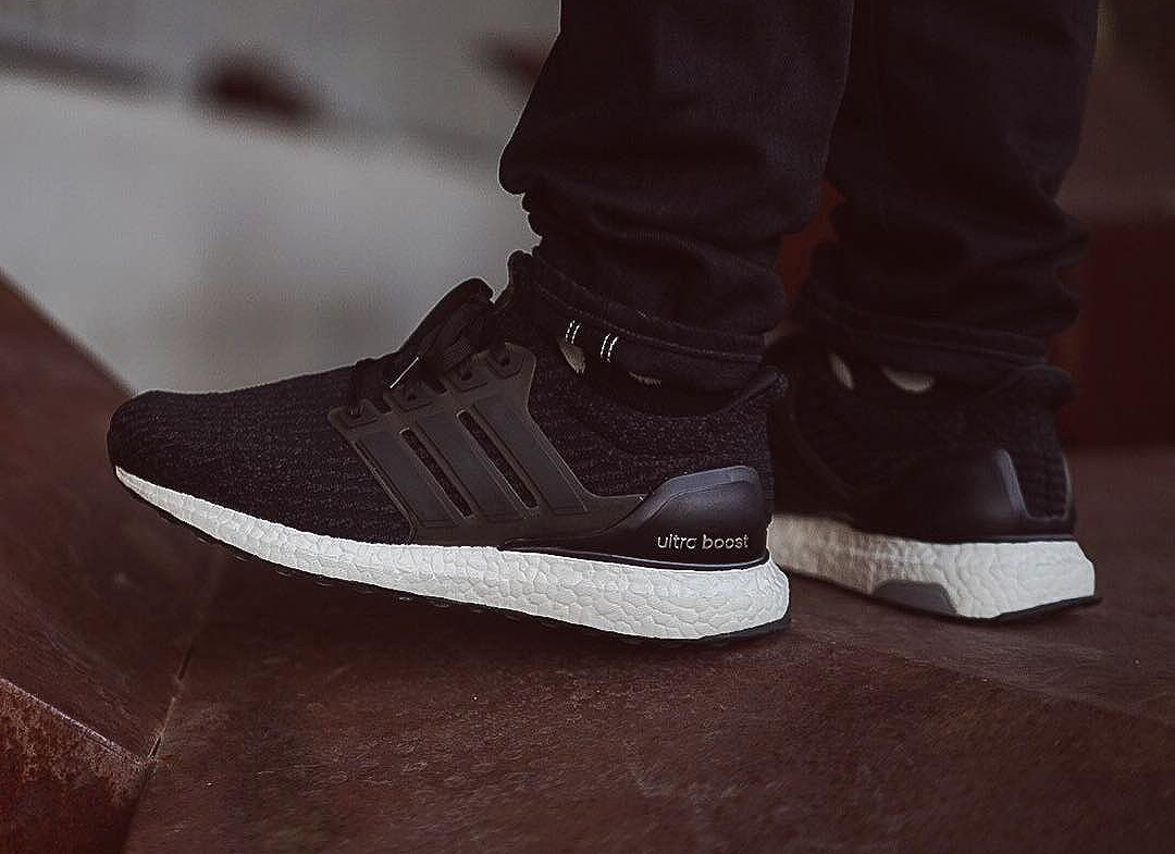 chaussure-adidas-ultra-boost-3-0-noire-2
