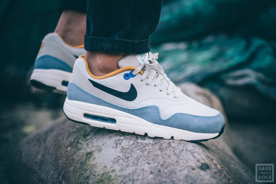 Nike Air Max 1 Ultra Essential 'Light Bone'