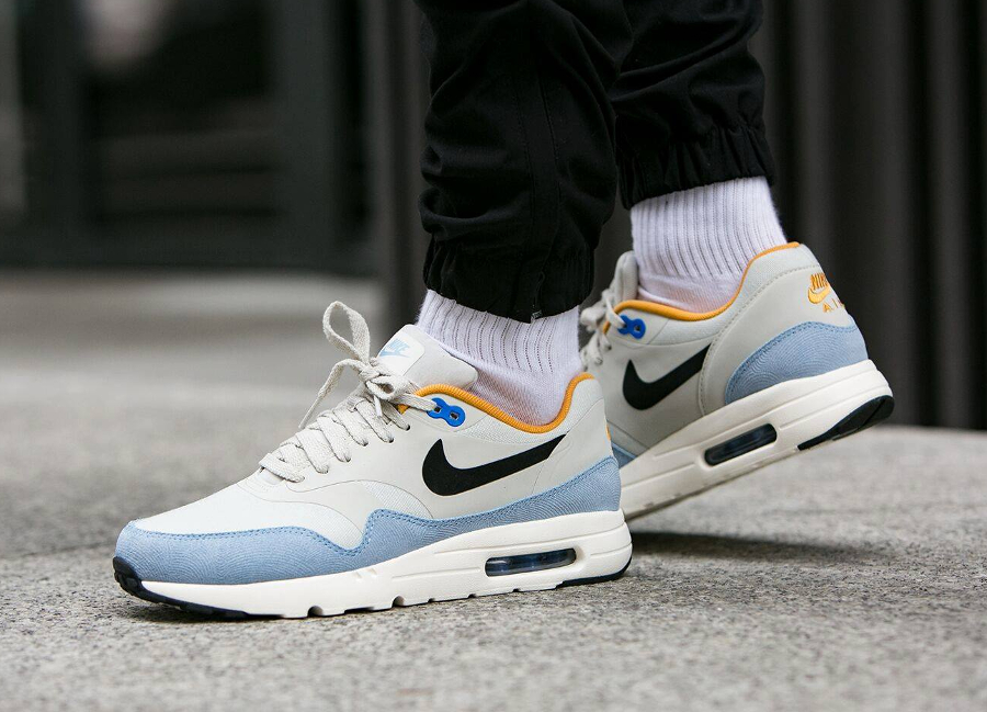 Nike Air Max 1 Ultra Essential 'Light Bone Bluecap Gold'