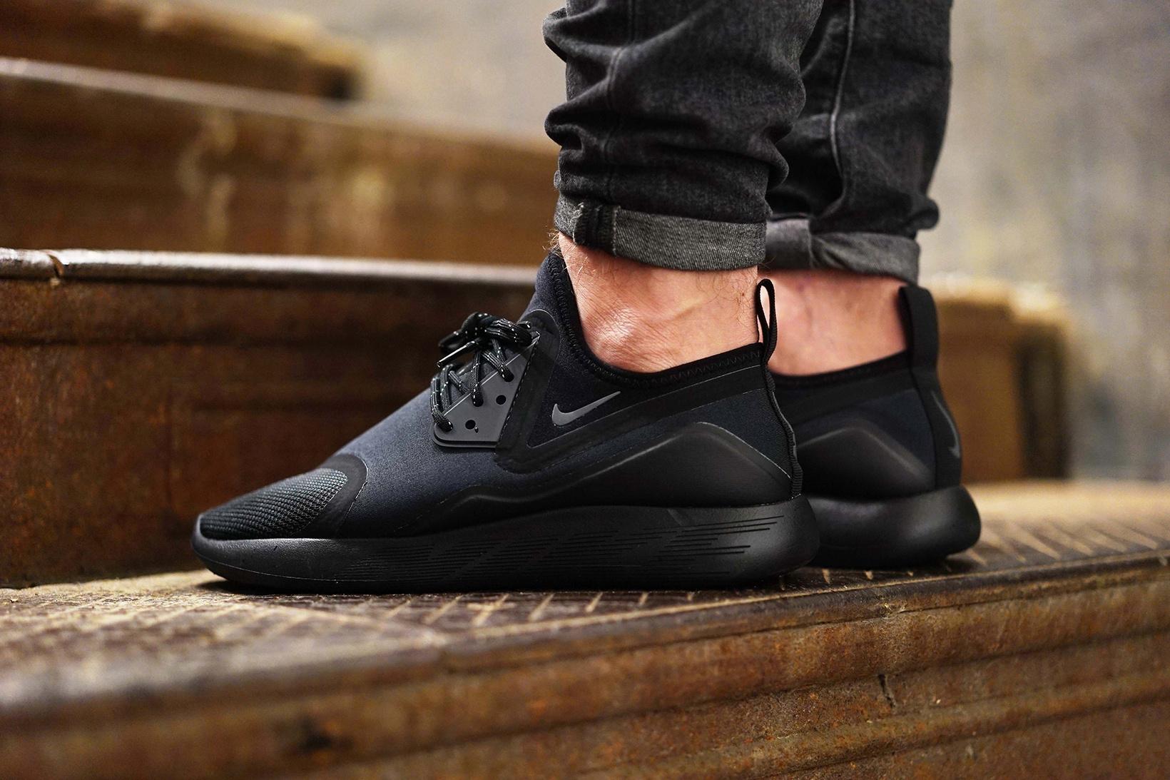 Nike Lunarcharge Premium Le noir 'Triple Black'