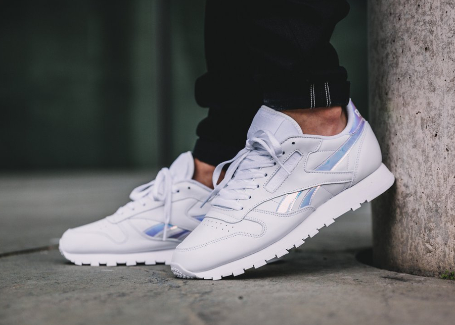 Reebok Classic CL Leather Blanche 'Iridescent Logo' (femme)
