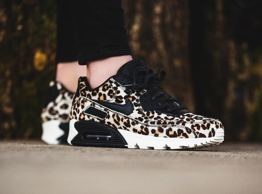 Nike Air Max 1 Chaussures Femme Noir Or Or Noir Leopard 1c6b58
