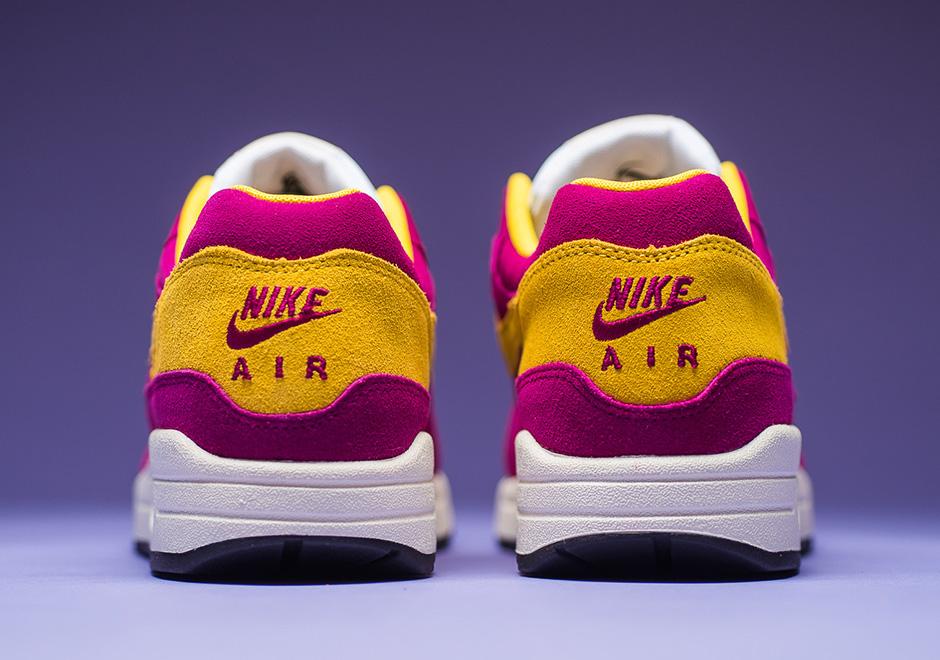 Basket Nike Air Max 1 PRM Suede Dynamic Berry (3)