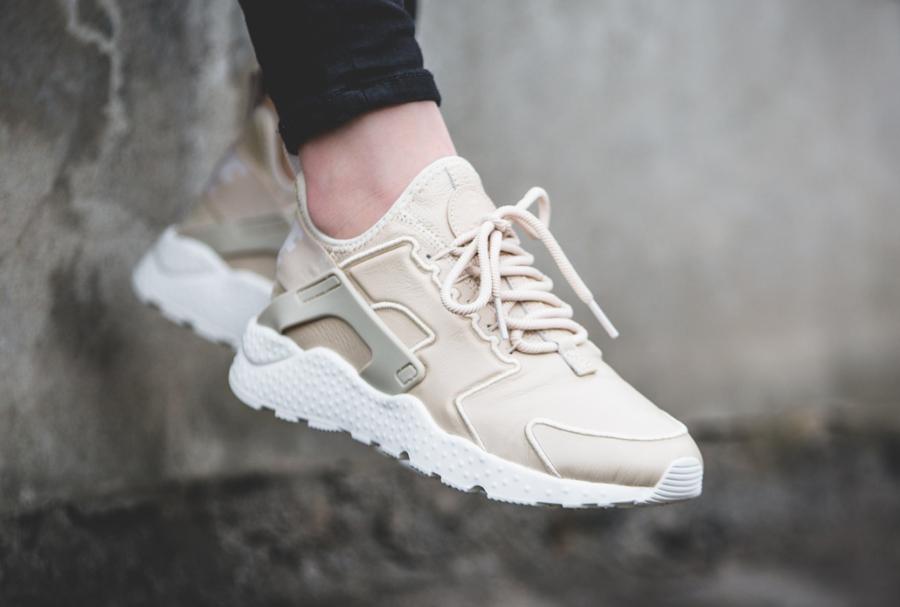 Chaussure Nike Air Huarache Ultra SI Oatmeal Ivory (beige) femme