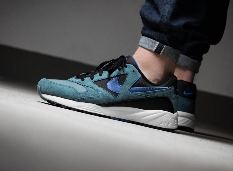 Chaussure-Nike-Air-Icarus-Extra-QS-Iced-Jade-1