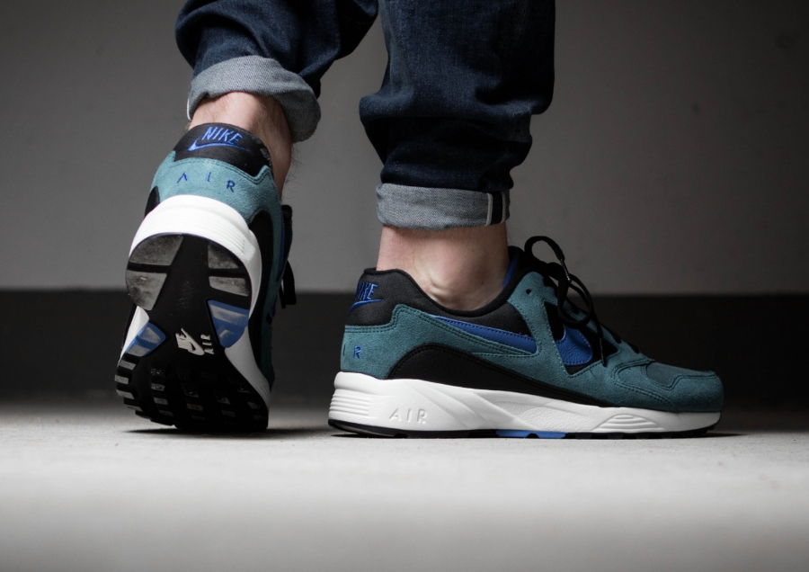 Chaussure-Nike-Air-Icarus-Extra-QS-Iced-Jade-2