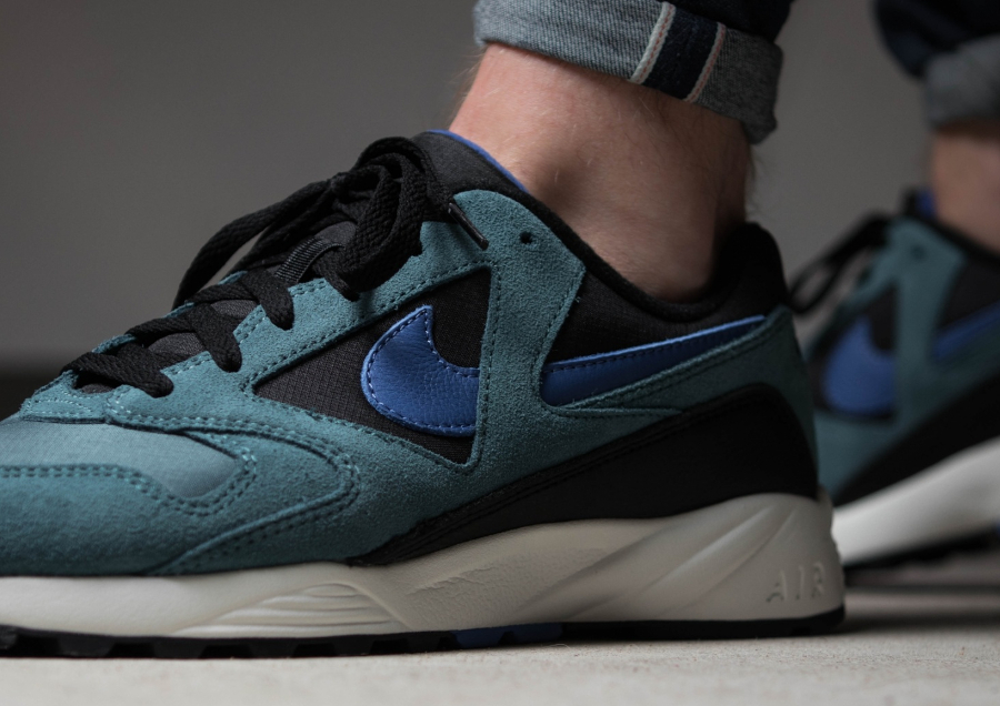 Chaussure-Nike-Air-Icarus-Extra-QS-Iced-Jade-3