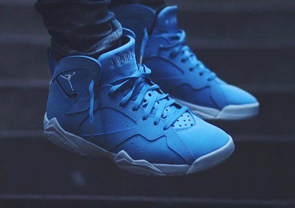 Air Jordan 7 Retro 'University Blue'
