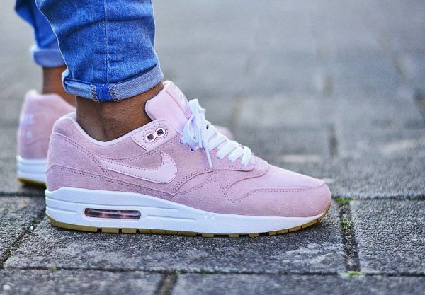 Nike Wmns Air Max 1 'Pink Suede'