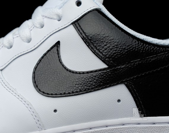Nike Air Force 1 Low – White – Black Gloss @ Caliroots