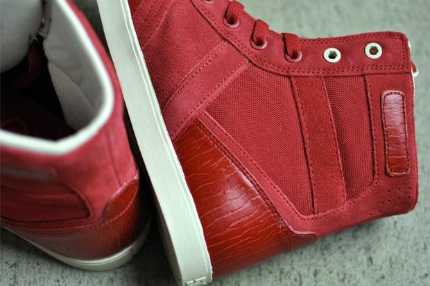 Des nouvelles sneakers en 2011 pour la Saint Pompe à fric (ou St Valentin..)