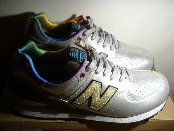 Sneakers de collection – New Balance 576 Atmos – Silver Hologram (2008)