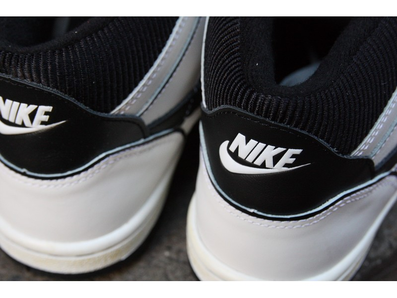 nike-sky-force-88-vintage-summit-white-black-4