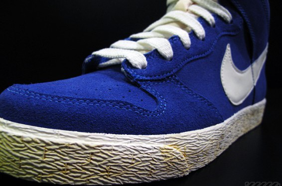 nike-dunk-low-ac-vintage-march-madness-2
