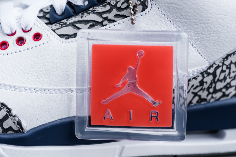 chaussure-air-jordan-3-retro-og-white-cement-grey-blue-2016-2