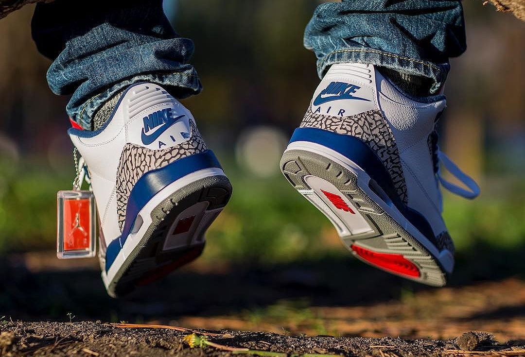 Air Jordan 3 Retro OG True Blue Cement 'Nike Air' (2016) (4)