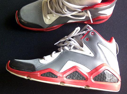 reebok-swizz-beatz-sneakers-signed-1