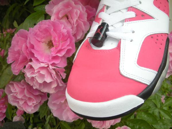 La photo du jour – La Air Jordan (VI) 6 et la rose….
