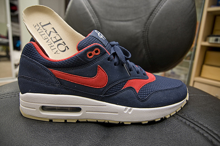 pas mal a965d 76c86 Chaussures Nike Air Max 1 Omega - Basket Air Max 1987